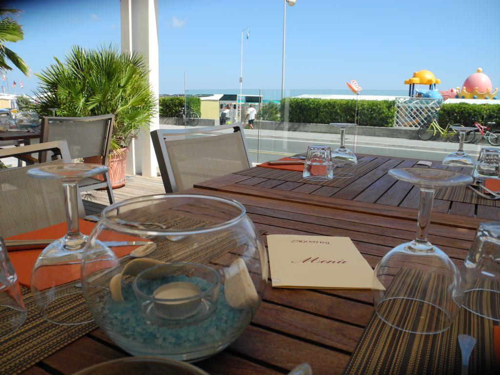 Hotel con ristorante ottima cucina hotel agostini - Terrazzi sul mare ...